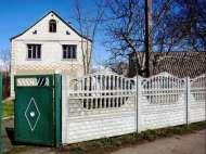 Продам дом у речки.